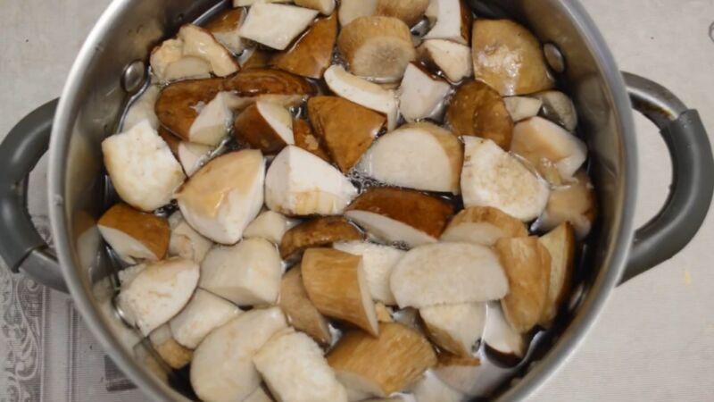 Белые грибы маринованные в банках на зиму: Как приготовить вкусно и быстро?